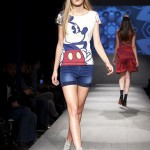 T-shirt bianca con Mickey Mouse firmata Desigual