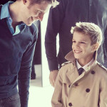 Romeo Beckham con Christopher Bailey di Burberry