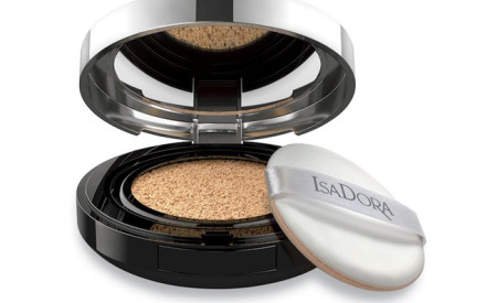 IsaDora: il fondotinta Nude Cushion Foundation dal triplice effetto anti-aging