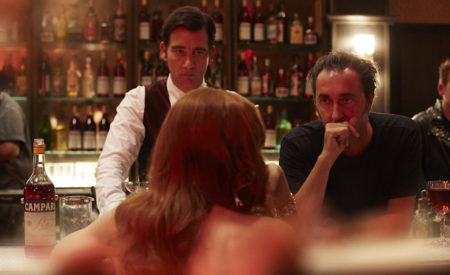 Killer in Red: Sorrentino dirige Clive Owen per Campari. Il trailer