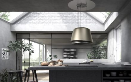 Cappa per cucina a isola: la linea F-Light di Faber con tecnologia up & down